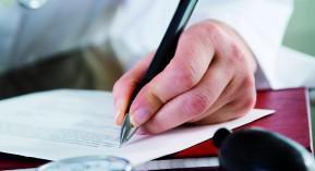 médecins, médicaments, objectifs absence de progrès cour des comptes